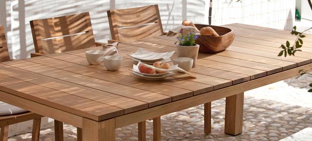 Migliori tavoli da giardino in legno classifica e for Arredo giardino legno